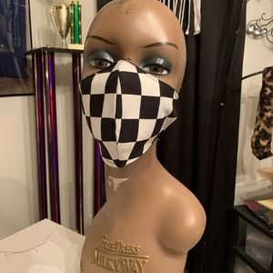 Checkered facemask